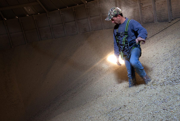 Do NOT Enter a Flowing Grain Bin // www.ruralins.com/farmsafety
